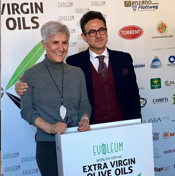 Premios Evooleum Awards, la competición privada número 1 en el sector oleícola, en la que se han otorgado galardón a los que 10 mejores aceites de oliva virgen del mundo. De los cuales, 8 de ellos cierran su AOVE con nuestros tapones.